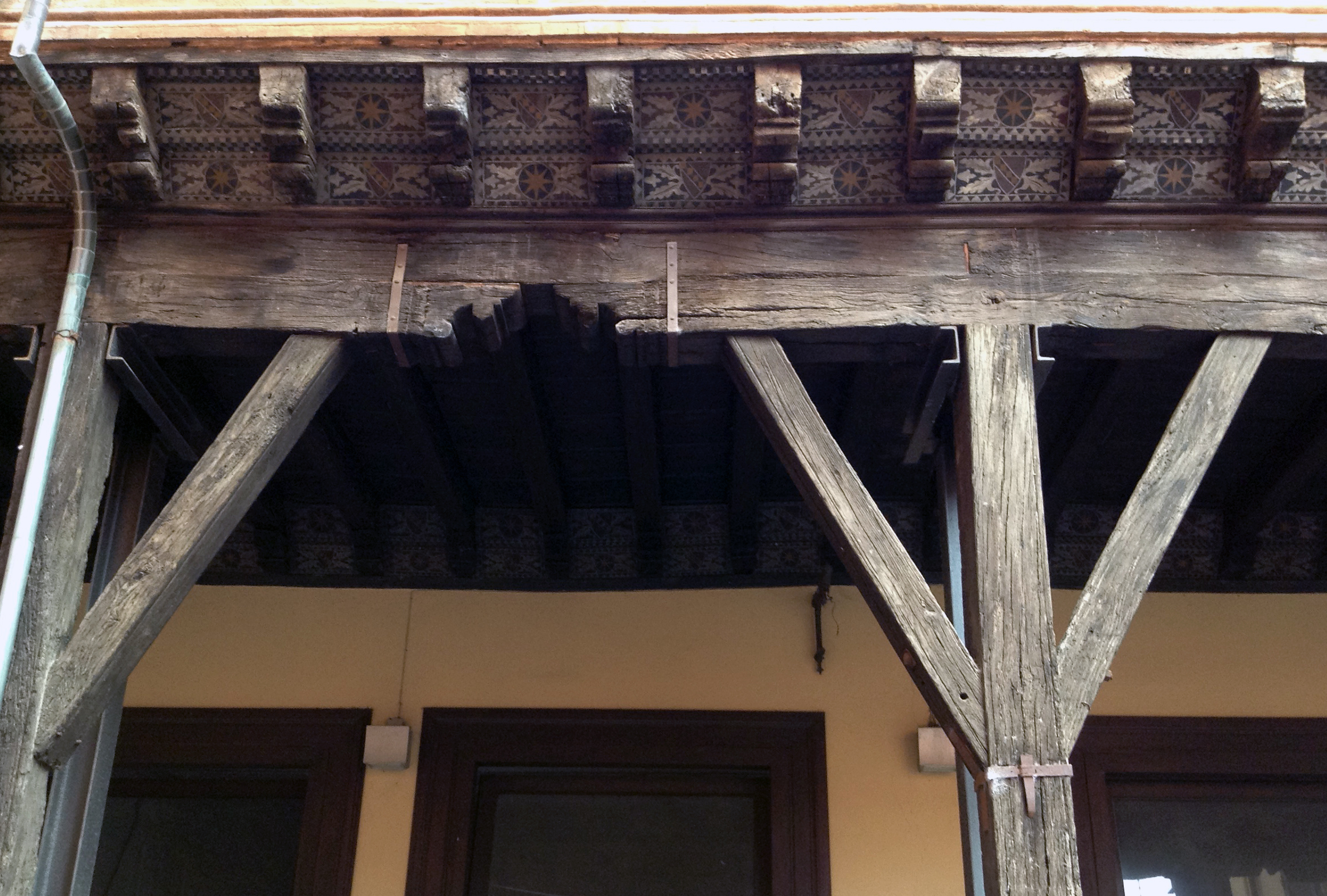 Restauro Infissi In Legno Bologna i portici medievali di bologna – il capochiave