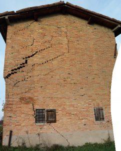 Fondazioni Per Edifici In Muratura.Il Cedimento Delle Fondazioni Continue Di Un Edificio In Muratura