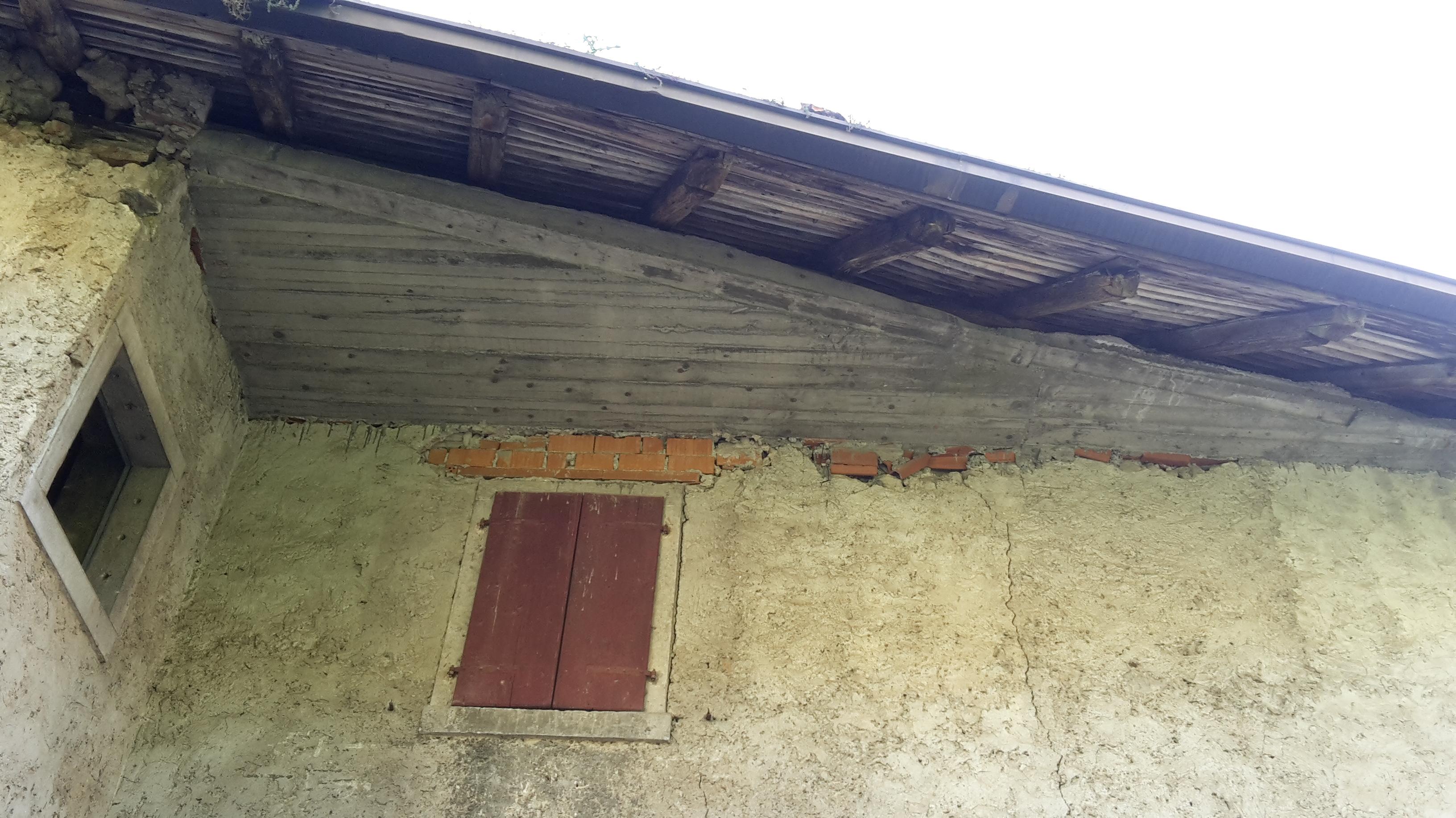Demolizione Scala In Cemento Armato dissesti per consolidamenti inappropriati – il capochiave