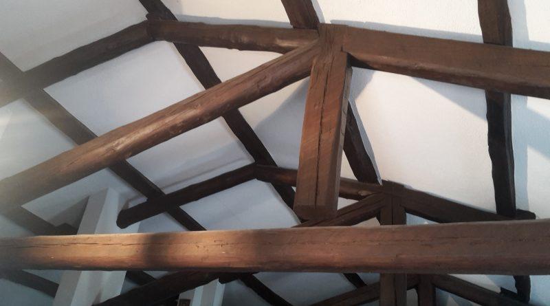 Tetti in legno con capriate dissimmetriche for Case in legno difetti